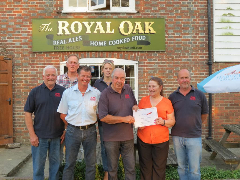 Royal Oak, Pett