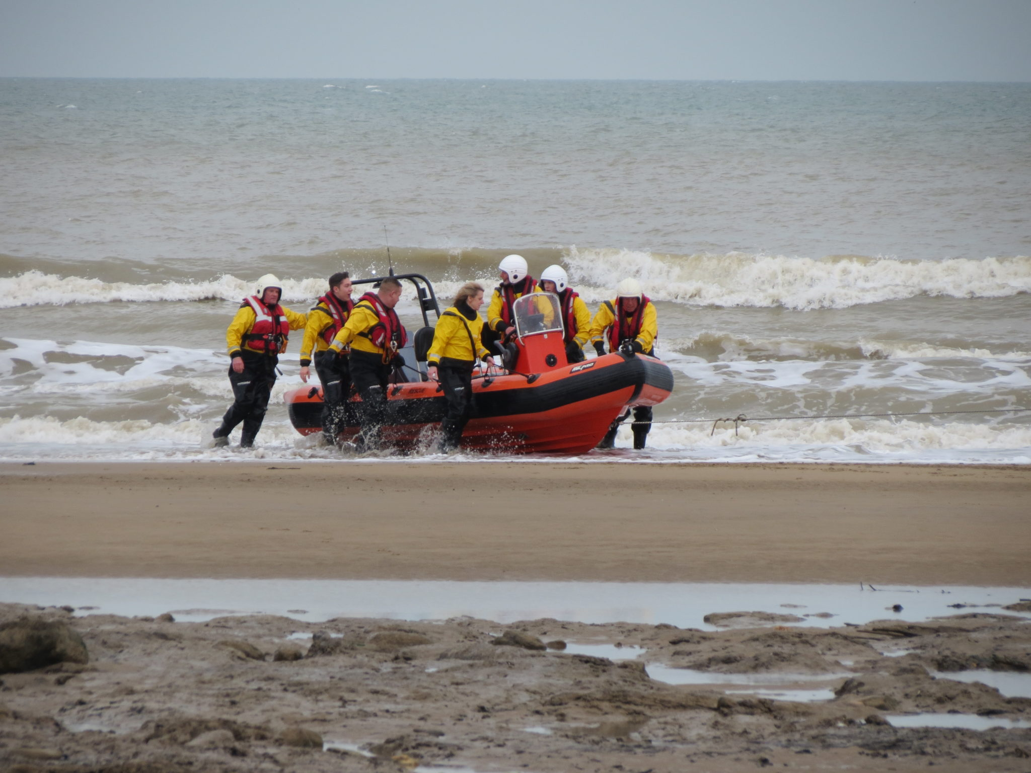 Low tide boat recovery, rescue boat